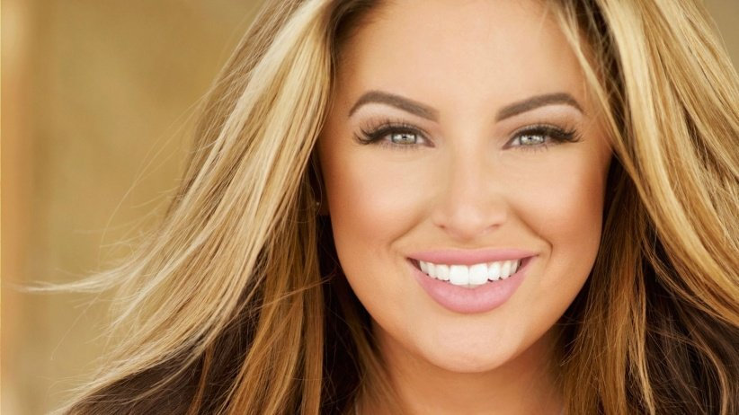 Adopt 10 Surprising Business Secrets from CEO & Plus-Size Model Ashley Alexiss